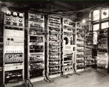 Photo of the Manchester SSEM (Baby), forerunner of the Mark 1 and Mark 1* computers. Copyright, Univ of Manchester.